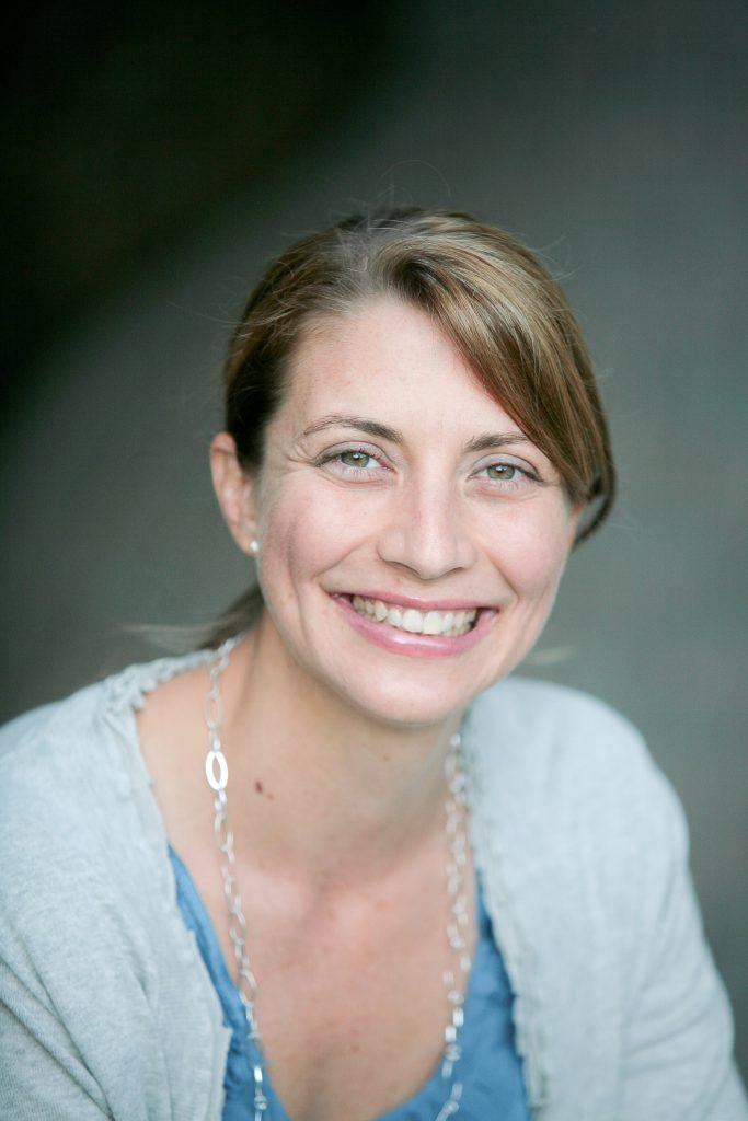 Dr Laura Kauffman