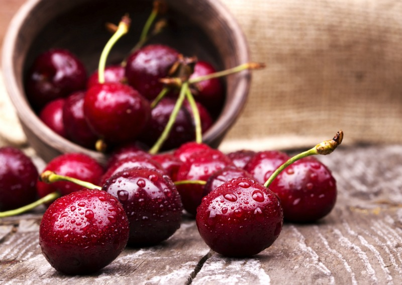 An image showing cherries