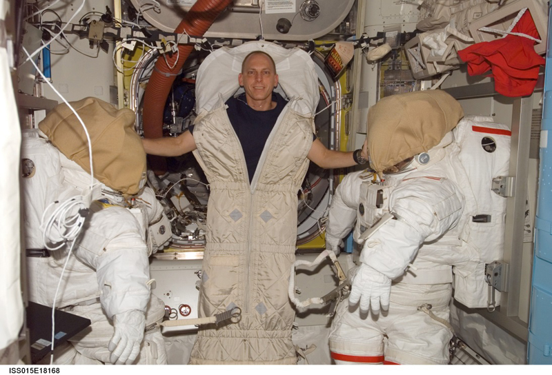 Clayton Anderson gives an astronaut's account of sleeping in space, from The Sleep Matters Club.