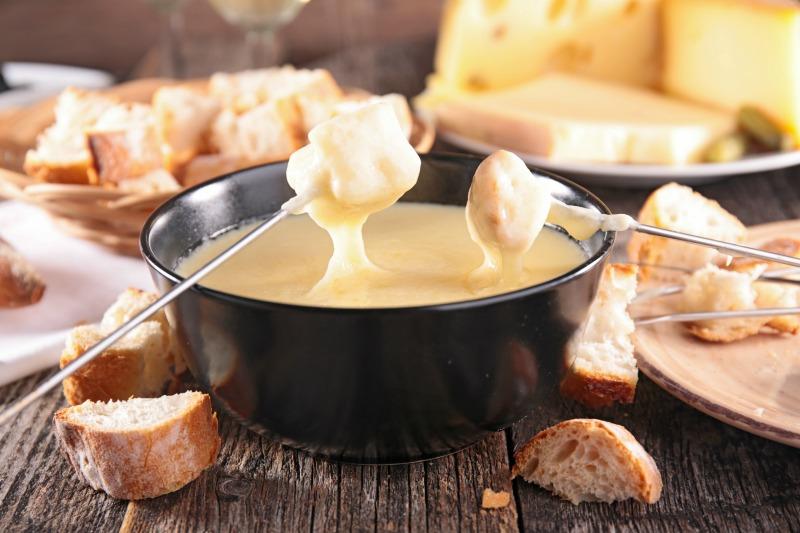 An image showing fondue