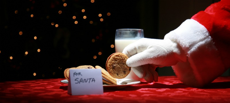 Image of Santa picking up a cookie