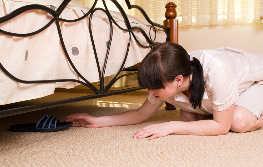 Clutter under the bed can lead to a negative chi flow. Read more on The Sleep Matters Club